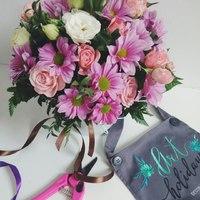 Корзинка с цветами на вкус флориста